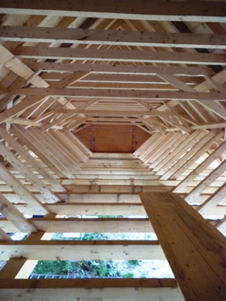 2014: Wiederaufbau Quellenhof Garbisdorf: Verarbeitung von 70 m³ Bauholz